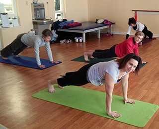 Kendal residents practicing mindfulness for healthy aging.