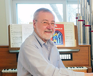 Randy with pipe organ