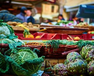 vegetables-at-market
